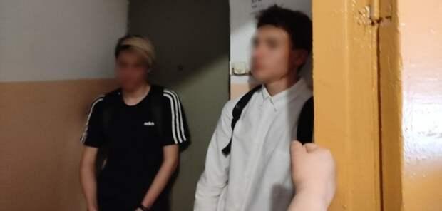Ростовские подростки бросали счердака дома огромные булыжники