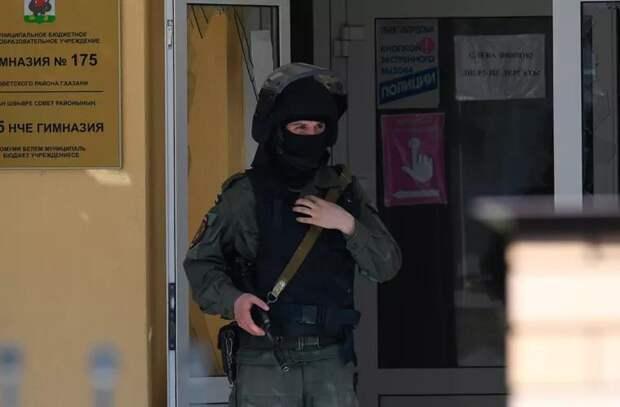 Путин поручил ужесточить правила владения оружием после стрельбы в Казани