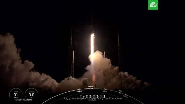 SpaceX отправила в космос еще одну группу спутников Starlink