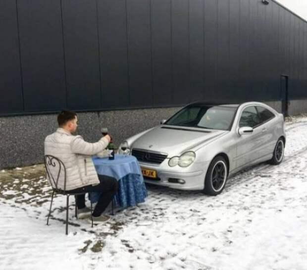 Забавные фото одиноких людей