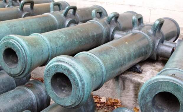 Пушки Наполеона в Московском Кремле / Фото: technomuzei.ru