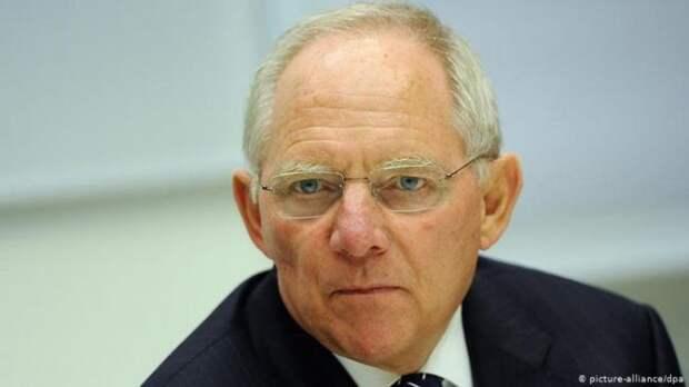 Председатель Бундестага: следует теснее сотрудничать сРоссией