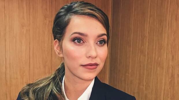 Звезду «Орла и решки» Регину Тодоренко раскритиковали из-за фото с синими губами