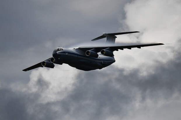 Россия будет строить ледяные военные аэродромы в Арктике