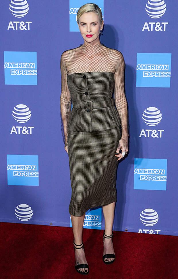 Стильная, эффектная, дерзкая: самые яркие выходы в свет голливудской звезды Шарлиз Терон