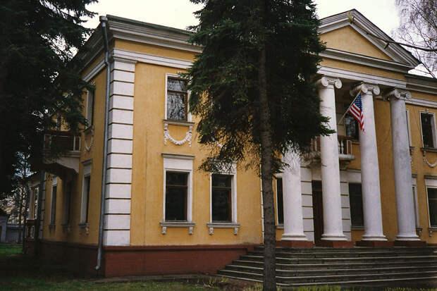 Посольство США в Минске призвало американцев запастись едой и лекарствами