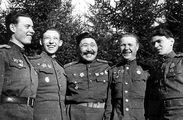 Какую награду Великой Отечественной фронтовики называли значком