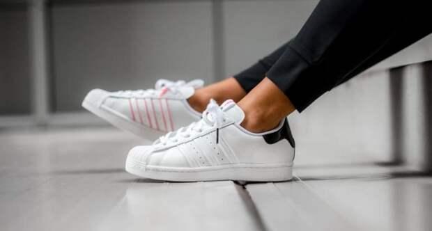 Кто придумал кроссовки — лучшее изобретение в мире обуви?