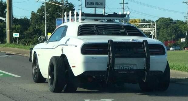 Переделка Dodge Challenger — сдвоенные колёса и верхний багажник
