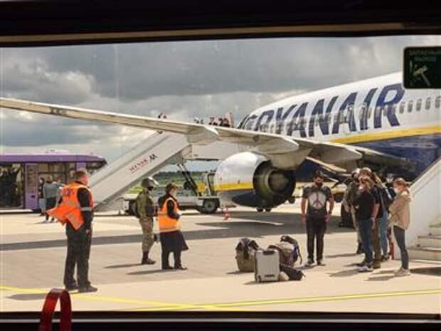 Вынужденная посадка самолета Ryanair