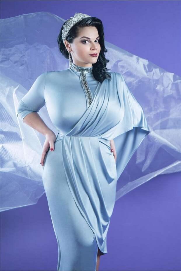 Пышнотелая звезда Мария Зарринг во всем своем великолепии.