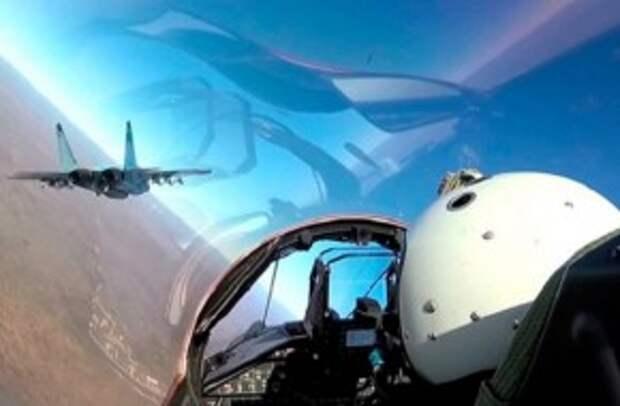 Летели «бомбить» Керченский мост: как американские лётчики оценивают встречу с ВКС