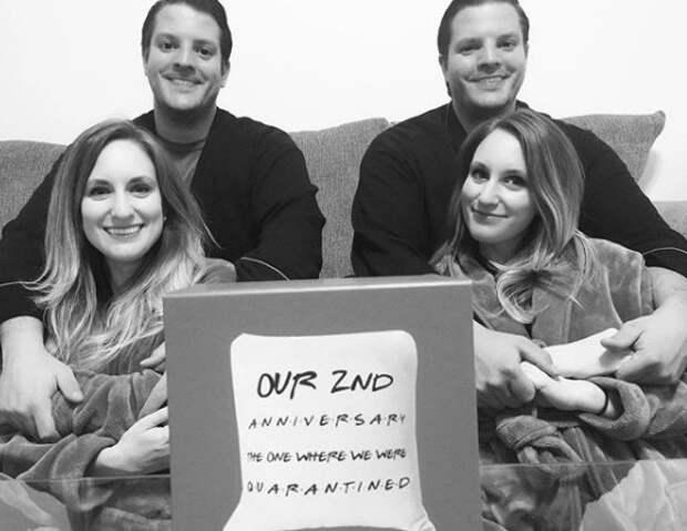 2+2=6: две пары близнецов, которые женились между собой, ожидают пополнения вбольшой семье