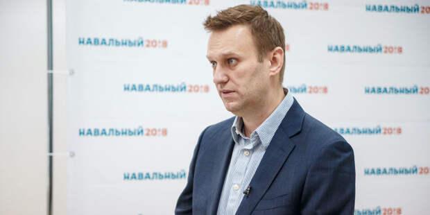 Лечившие Навального омские врачи получали угрозы