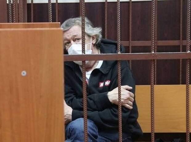 Для первого лжесвидетеля по делу Ефремова требуют почти два года исправительных работ