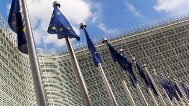 Евросоюз обратился со словами соболезнования к родственникам жертв стрельбы в Казани
