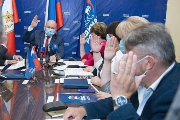 Лучшие кадры из Севастополя заменили членами семьи губернаторской команды Развожаева