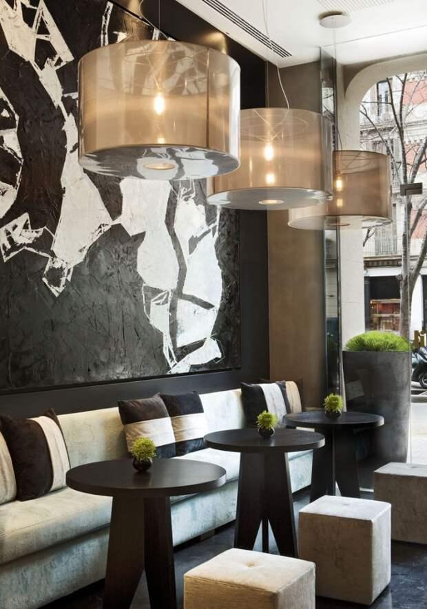 Оригинальное оформление стен в кафе