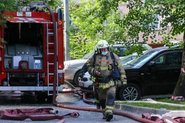 При пожаре на Верхней Масловке спасли двоих мужчин