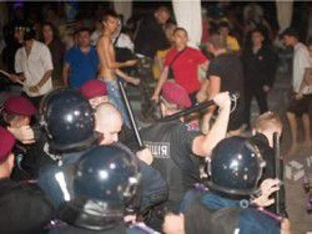 Новость на Newsland: Украинские радикалы попытались сорвать концерт Ани Лорак