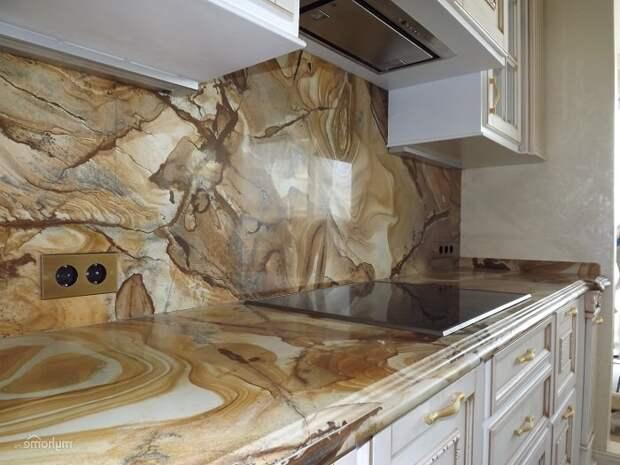 Мрамор в интерьере кухни фото