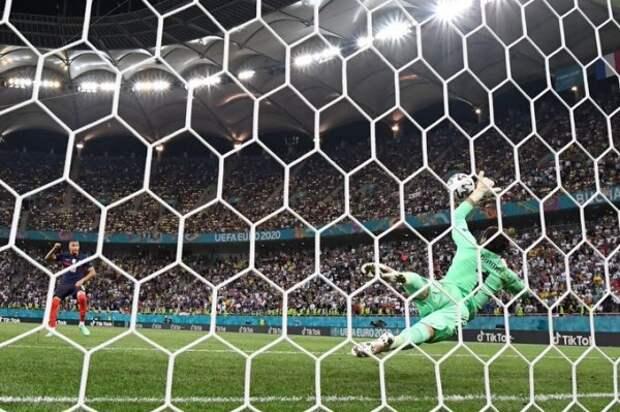Франция не вышла в четвертьфинал впервые за последние 5 Евро/ЧМ