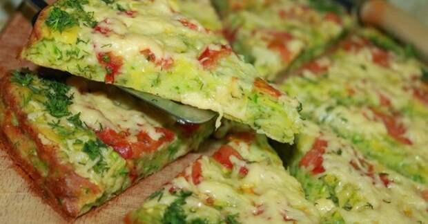 Кабачковая пицца. \ Фото: sovkusom.ru.