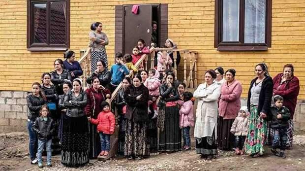 Соратник Порошенко призывал депортировать цыган