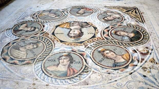 Удивительная историческая находка: в Турции обнаружили древнегреческие мозаики, которым уже более 2 000 лет!