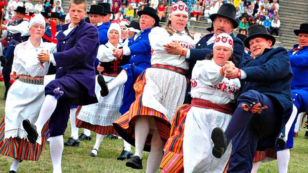 Старые обиды не мешают Эстонии выгодно торговать с Россией