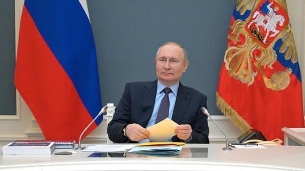 Путин подписал закон об увеличении федеральной части партсписков