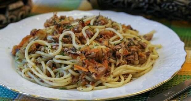 Макароны с консервированным тунцом: аппетитное второе блюдо на скорую руку