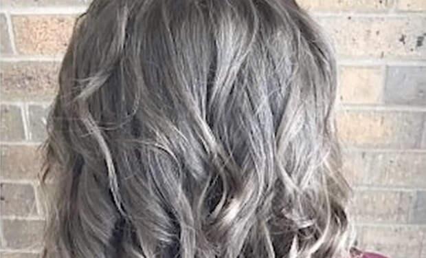 Женщина не причесывалась 3 месяца: парикмахеру понадобился день, чтобы сделать прическу