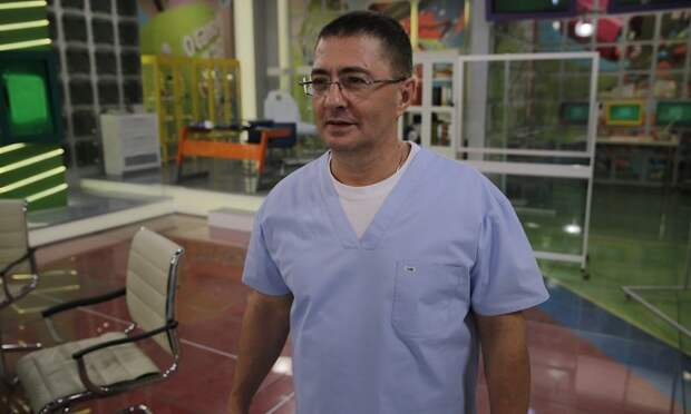 Доктор Мясников ответил на частые вопросы про коронавирус и вакцинацию