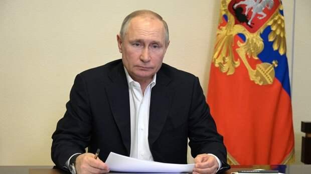 Путин обсудил с кабмином социальную и инфраструктурную темы перед посланием