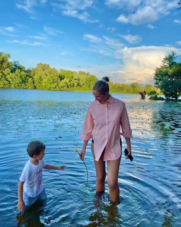 Беременная Екатерина Осадчая с сыном Ваней