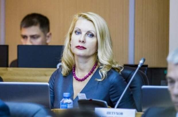Депутат пойдет под суд по обвинению в мошенничестве