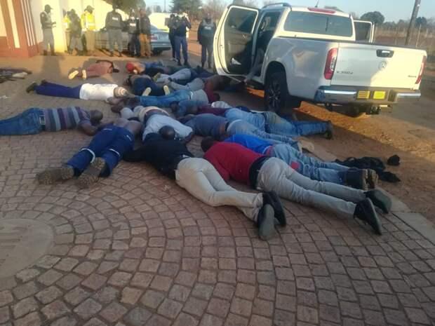 Пять человек погибли при захвате заложников в церкви в ЮАР