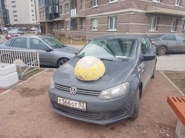 Молдаванский шумный табор по привычке решил воспользоваться гостеприимством Петербуржцев, но был жестко поставлен на место