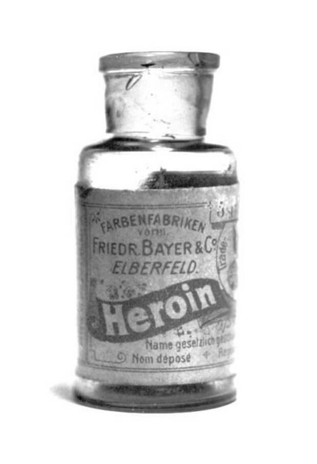 Героин продавался в аптеках по всему миру.