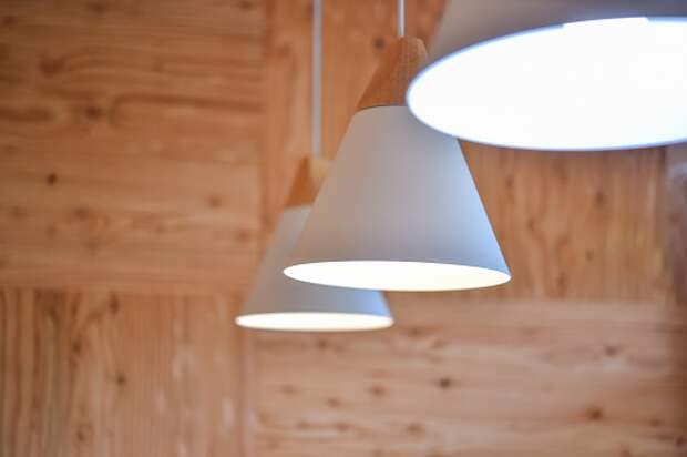 В доме на Череповецкой отремонтировали осветительный прибор
