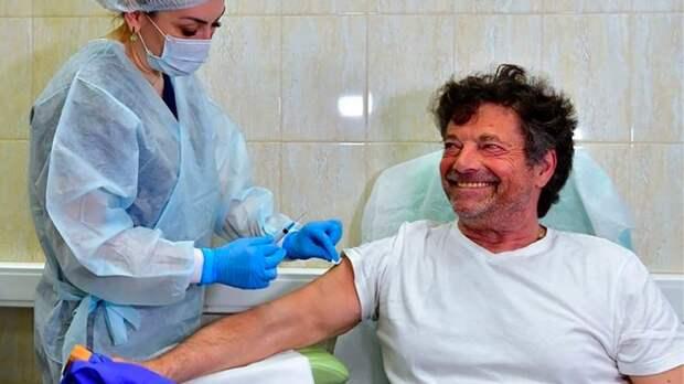 Депутат Бундестага выбрал «Спутник V» и осудил дискредитацию вакцины в ЕС