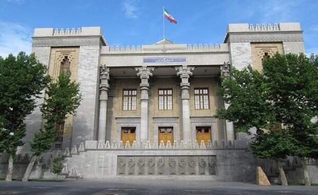 Иран назвал «устаревшими уловками» слухи вСМИ США об«актах возмездия»