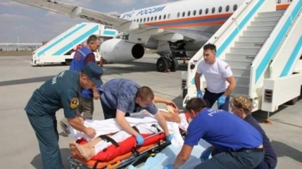 Спецборт МЧС эвакуировал из Крыма в Петербург мужчину с травмой позвоночника