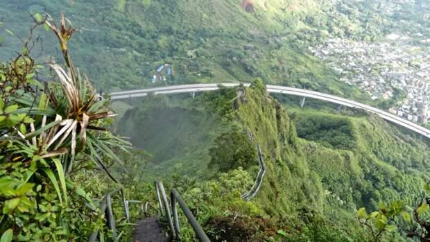 Лестница Хайку наГаваях