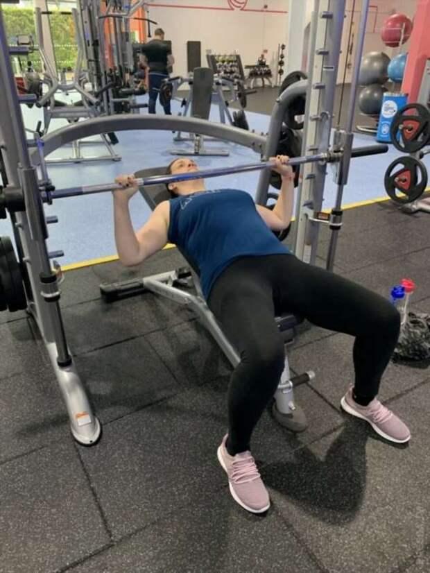 Девушка, занимаясь спортом и танцуя, похудела на 38 кг