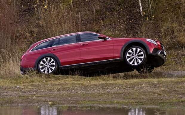 Mercedes-Benz E-класса All-Terrain окунулся в грязь