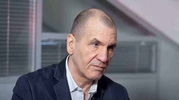 Президент ФЗНЦ рассказал, почему Франции выгодны вбросы о России в ЦАР