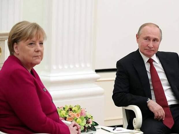 Меркель: Россия в свете разногласий с США сближается с Китаем