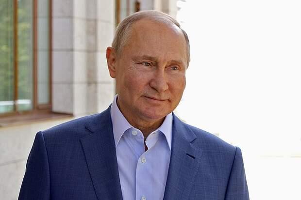 """""""Результат позитивный"""": Путин рассказал о своих антителах после вакцинации и посоветовал россиянам прививаться"""